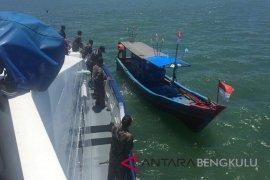 "Pemusnahan ""trawl"" nelayan di Mukomuko bertahap"