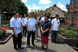 Menpar ajak direktur UNWTO kunjungi desa wisata ke Bangli (video)