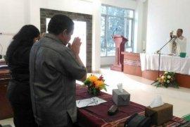 Ruang kerja baru kepala daerah Samosir diberkati