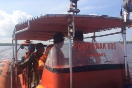 Pos SAR Ketapang bantu pencarian nelayan hilang di Kayong