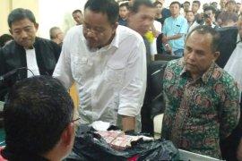 Rp5 miliar uang suap DPRD dari Asiang
