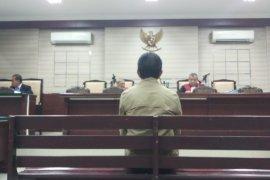Hakim Vonis Edy Rumpoko Tiga Tahun Penjara (Video)