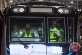 Gubernur DKI tinjau kereta MRT