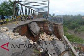 Perbaikan Jembatan Cipamingkis pakai anggaran darurat bencana