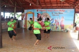 Dikbud Malut perkuat budaya lokal antisipasi kepunahan