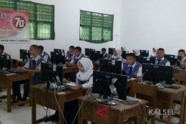 Ujian Nasional Tingkat SLTP Di Balangan Di Ikuti 1.971 Siswa