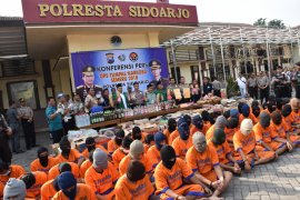 Police Arrest 90 Arrow On Drug And Liquor Charges In Sidoarjo