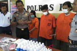 HST police arrest three drug dealers
