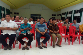 Ketua KBK Keuskupan Manado saat melantik pengurus KBK Palu Page 3 Small