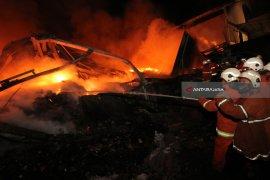 Rumah Makan Asela Sampang Terbakar