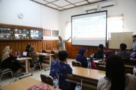 Diskusi kemometrika, ilmu baru untuk praktisi herbal
