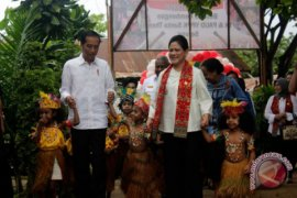 Presiden kunjungi TK di Papua Barat Page 1 Small