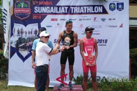 520 peserta ikuti Sungailiat Triathlon 2018