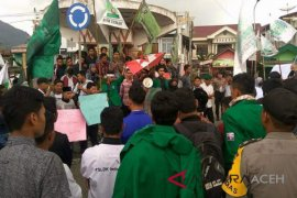 Umat Islam Aceh minta Sukmawati diadili