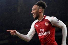 Arsenal tekuk Stoke 3-0