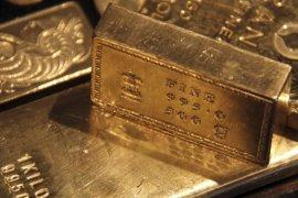 """Harga emas naik lebih dari satu persen karena pembelian """"safe haven"""""""