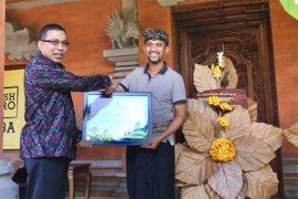 Pemkab Gianyar beri penghargaan kepada pengrajin ramah lingkungan