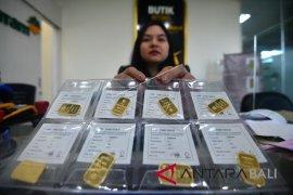 Investor kembali buru logam mulia, harga emas bangkit