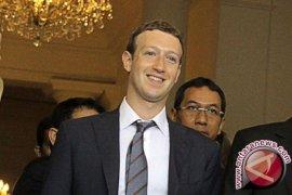 Pemimpin facebook Mark Zuckerberg dicecar Senat Amerika