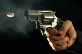 Polisi kena tembak saat rebutan senpi dengan pelaku pungli