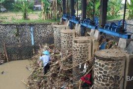 PUPR Jembrana: sampah dari masyarakat picu banjir