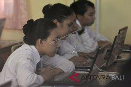 Pelaksanaan UNBK SMK di Denpasar berjalan lancar
