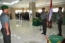 724 personel Kodam Pattimura naik pangkat