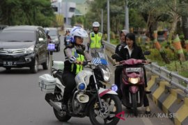 Kesibukan lalu lintas pagi awal Ramadhan berkurang
