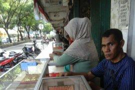 Transaksi emas pinggiran jalan di Ambon sepi