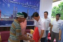 Karpowership beri paket ramadan kepada warga Waai
