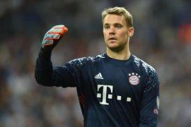 Rummenigge sanjung Neuer sebagai penjaga gawang terbaik di dunia