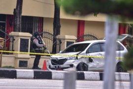 Mobil pelaku penyerangan Polda Riau