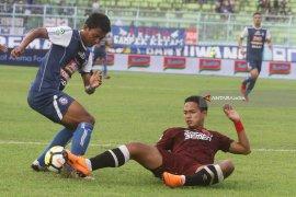 Menang 1-0 Atas PSIS Semarang, Arema Naik Dari Dasar Klasemen