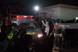 Dua Unit Ambulans Siaga di Rusun Wonocolo (Video)