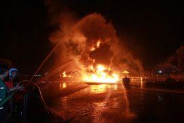 Kebakaran tanker minyak lukai puluhan pekerja  Korsel