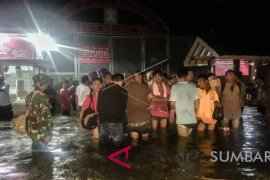 Warga Aceh Utara bertahan di pengungsian