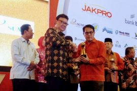 Jamkrida Bali Mandara raih penghargaan Top BUMD