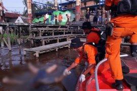 Herman ditemukan sudah tewas di Sungai Kapuas