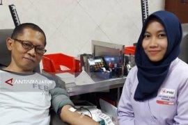 Pascaledakan Bom, Ratusan Warga Donorkan Darahnya di PMI Surabaya