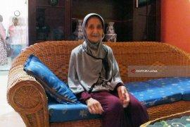Hilang 28 Tahun di Arab Saudi, Nenek Qibtiyah Tiba di Jember