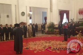 Presiden Jokowi melantik Yahya Staquf sebagai Wantimpres