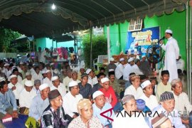 Ribuan Jemaah hadiri buka puasa bersama Cabup Independen HSS