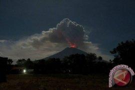 BNPB: 309 jiwa masyarakat sekitar Gunung Agung mengungsi