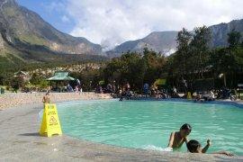 Taman Gunung Papandayan ramai wisatawan jelang Tahun Baru