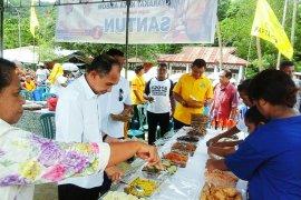 SANTUN makan patita bersama masyarakat kota Ambon