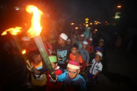 Masyarakat Pangkalpinang gelar pawai obor sambut Lebaran