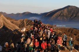 Kawasan Gunung Bromo ditutup hingga akhir Maret