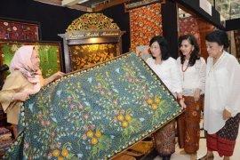 Kemenperin fasilitasi batik Jambi pukau Paris
