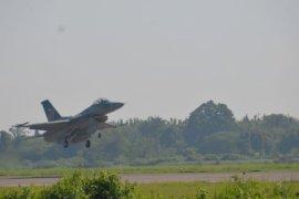 Pesawat F-16 Persiapan Latihan Tempur Multinasional