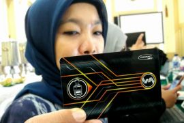 Bank Mandiri bersama KAI terbitkan Kartu Commuter Pay